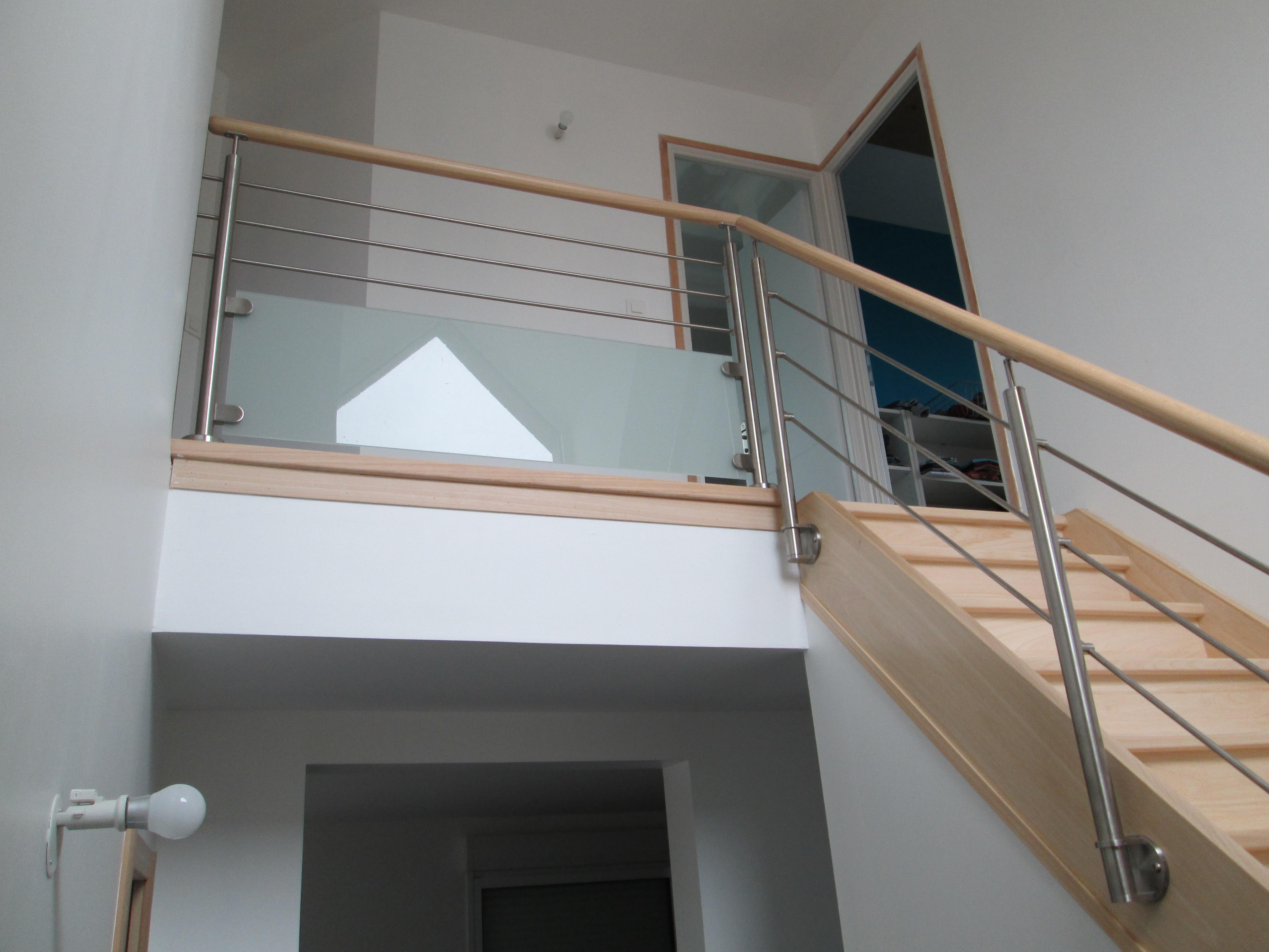 Garde De Corps Escalier pourquoi choisir un escalier avec des garde-corps en verre