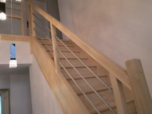 l 39 escalier gc104 un mod le inox tr s accessible fabricant d 39 escaliers sur mesure debret. Black Bedroom Furniture Sets. Home Design Ideas