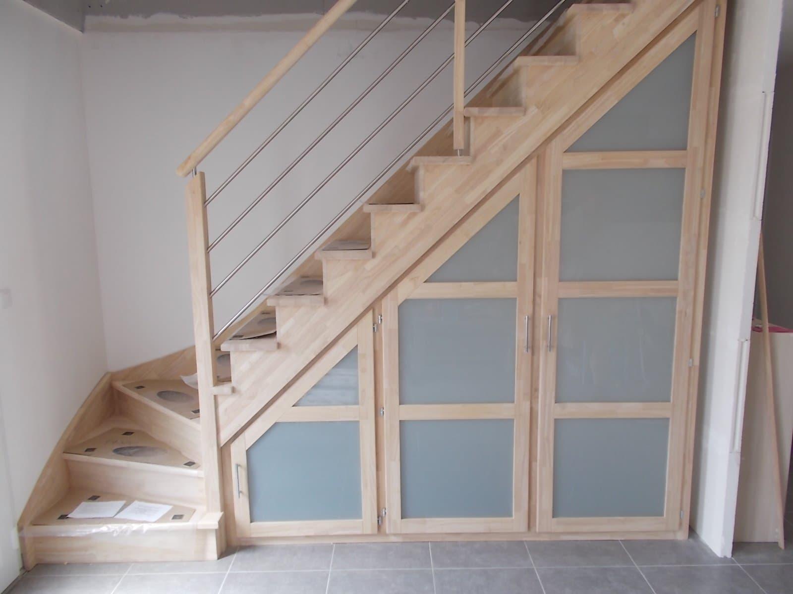 placards rangements sous escalier debret escalier. Black Bedroom Furniture Sets. Home Design Ideas